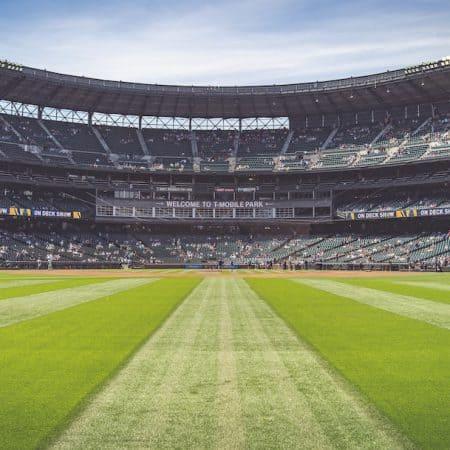 Dlaczego warto typować spotkania prosto ze stadionu?