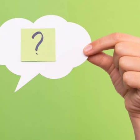 Słowniczek typera – jakie pojęcia warto znać chcąc orientować się w branży?